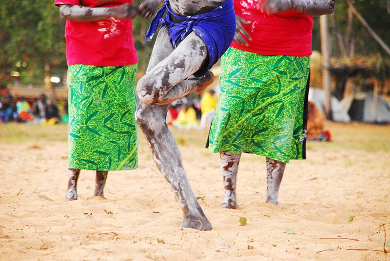 alice-poli-danza-aborigena