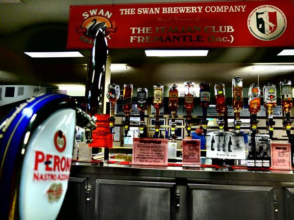 Il bar dell'Italian Club di Fremantle