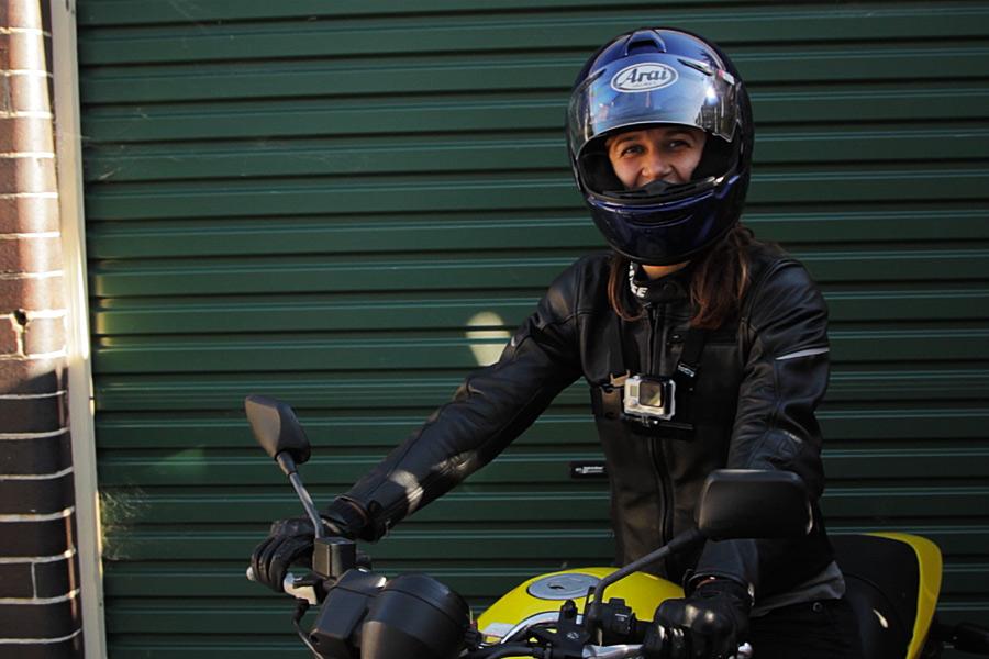 GoPro accesa! Siamo pronti per un giro in moto.